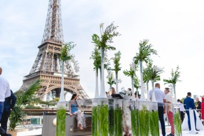 sumer party jungle chic sur un bateau à Paris